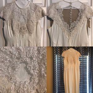 Vintage plus size wedding dress